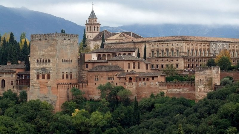 Alhambra_Granada_panorama-1