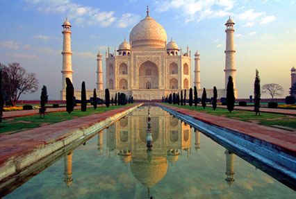 Discover the beauty of the Taj Mahal with Millenium Travel